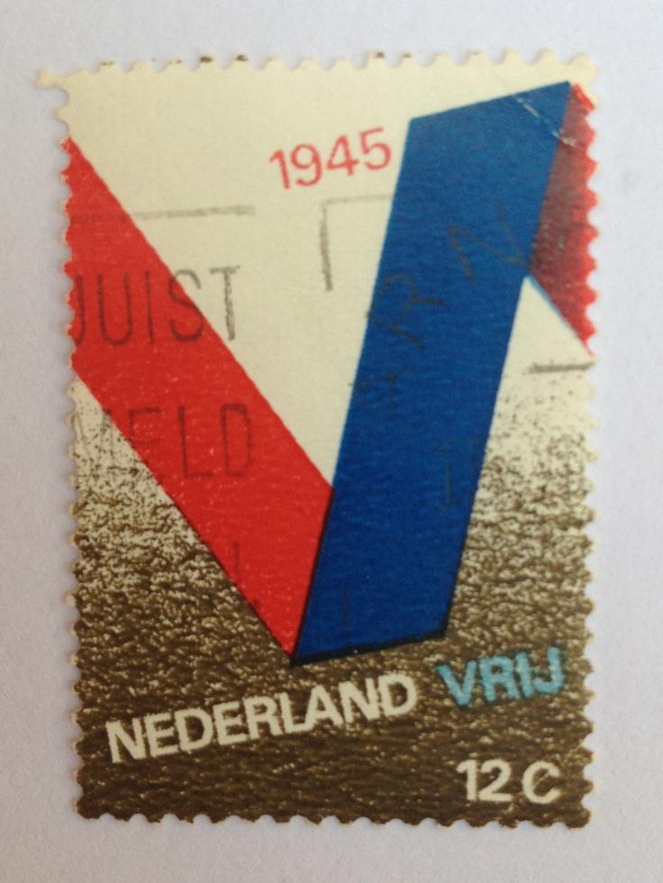 1970 | Otto Treumann | rood, wit, blauw | vlag, lint