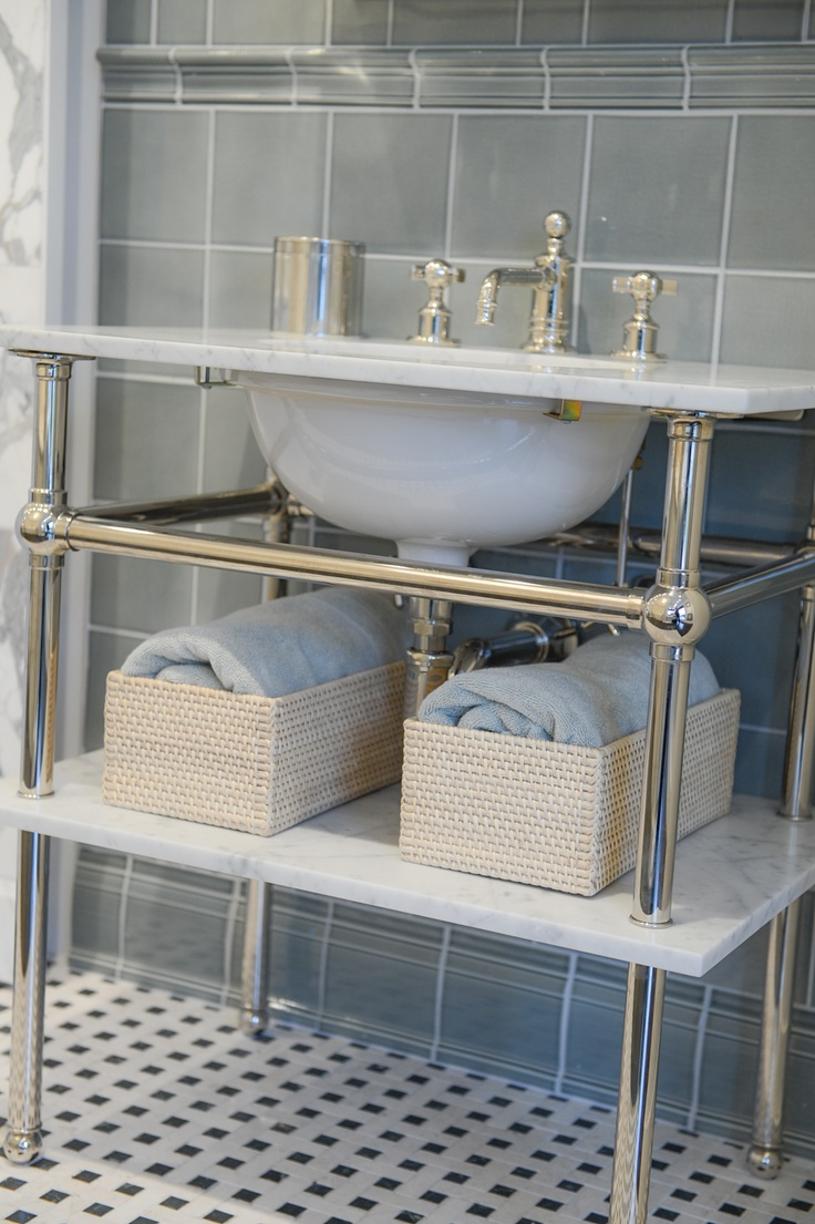 109 best Bathrooms images on Pinterest   Bathroom ...