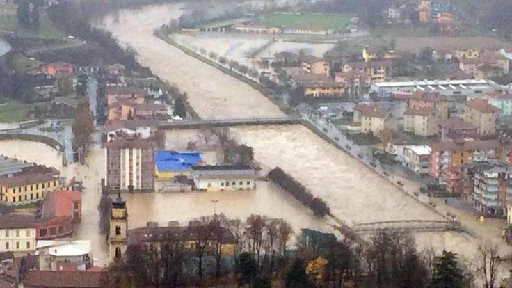 """""""Fate presto o il fiume si porta via la mia casa"""" - La Stampa"""