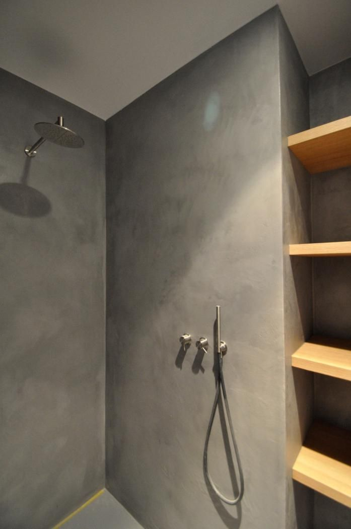 1000 id es sur le th me douche en b ton sur pinterest salle de bains tuile - Faire une douche italienne en beton ...