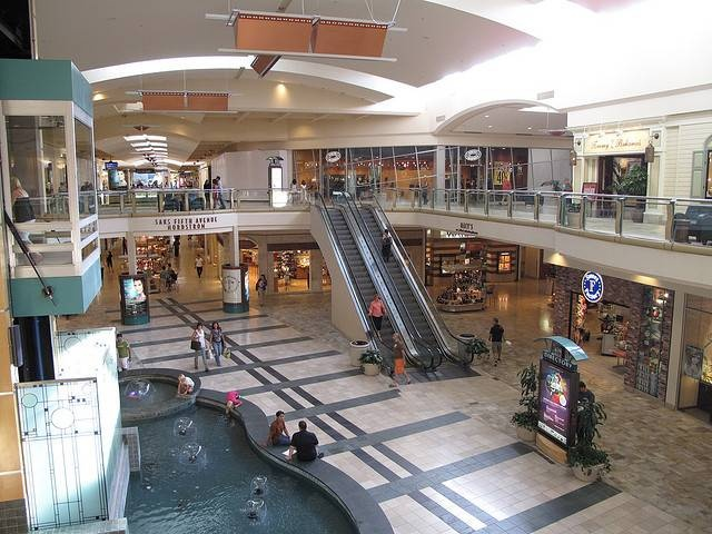 Shops at Mission Viejo Mall