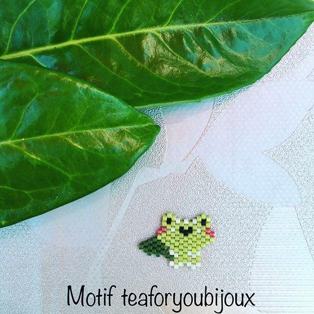 {Tissage express n.17} Un petit tissage pour bien démarrer la semaine ! Je vous présente Froggy la grenouille Clin d'œil à @les_instantanes_de_rafiki, la voilà :) Version #Clawbert et diagramme sur les photos suivantes ~~~~~~~~~~~~~~~~~~~~~~~~~~~~~~~~~ © Modèle déposé teaforyoubijoux 11 mai 2017 CC-BY-NC-ND-4.0 reproduction interdite à la vente © Pattern from teaforyoubijoux protected May 11, 2017 CC-BY-NC-ND-4.0 sale prohibited #clawberttfy #kawaii #cute #express #motifteaforyoubi...