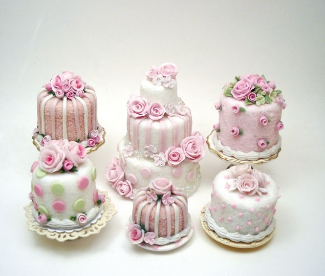 Mini cakes for springtime by Lory Tonetti, featured in issue 108 of American Miniaturist Magazine