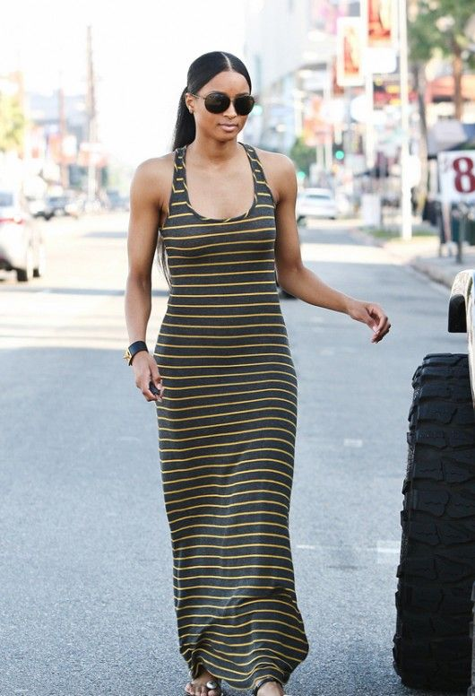 Fashion Bomb 101: How to Dress for an Athletic Body Type #stripedmaxi