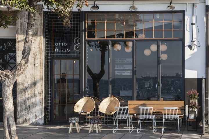 Industrial, urban, and clearly informed by contemporary western trends, Ark4LOA's Otto e Mezzo remains wholeheartedly Greek, its laid-back Mediterranean mood an underlying aesthetic.