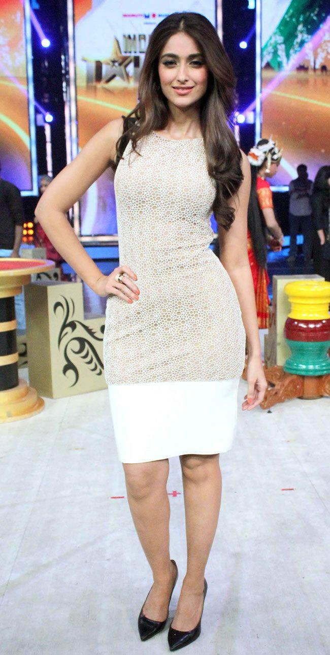Ileana D'Cruz on 'India's Got Talent' to promote 'Main Tera Hero'. #Style #Bollywood #Fashion #Beauty