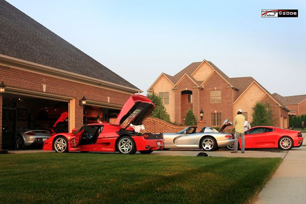 Awesome car garages ferrari f50 and 360 modena and viper for Garage credit auto 0
