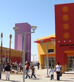 The Outlet Shoppes at El Paso have over 100 brand name and designer stores offering savings between 20%-60% off the retail price. You'll find retailers such as A/X Armani Exchange, H & M, Pottery Barn, Williams Sonoma, Coach, Perry Ellis, Michael Kors, Nike, Polo Ralph Lauren, Nautica and Tommy Hilfiger to name a few. We have an eclectic mix of restaurants both free standing and in our food court. The Outlet is 20 minutes from downtown El Paso.