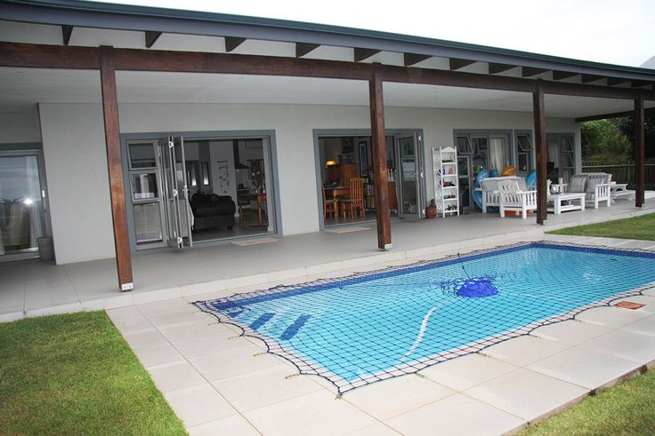 EXCLUSIVE RE/MAX MANDATE SIMBITHI R5 000 000 (price reduced) This is a fantastic opportunity to purchase a home on the SIMBITHI GOLF ESTATE. Price has been further reduced to sell making this a very attractive buy in this sought after Estate. (Sellers are relocating) Call Terence McMurray, an accredited Simbithi Agent, on 082 895 4174 for further details or email: mcmurray@yebo.co.za