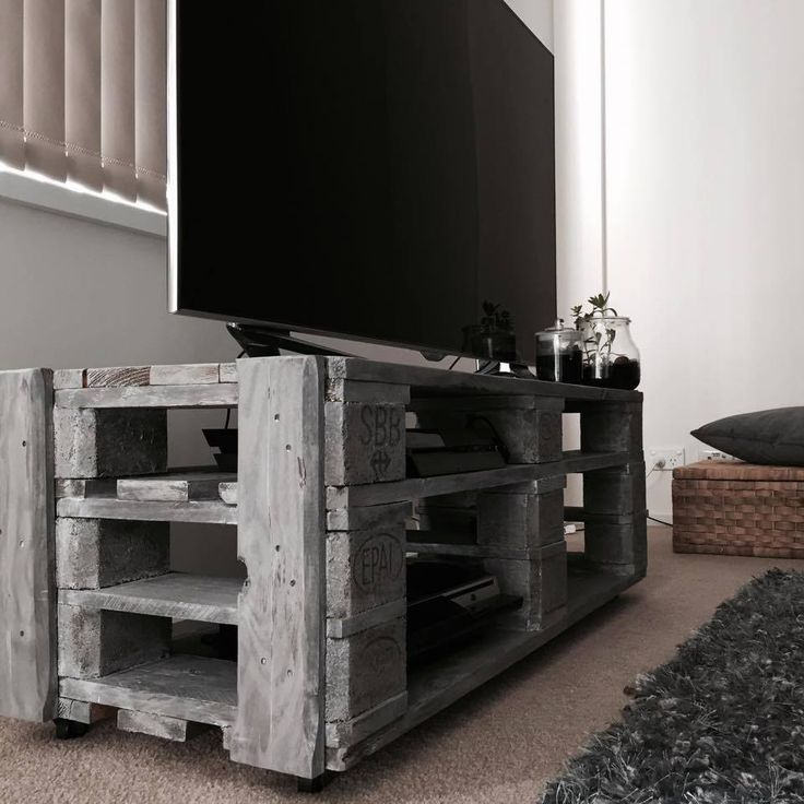 #Pallet TV Stand with Cubby Style #Storage - 15 Inspired Pallet Ideas for Your Home | 101 Pallet Ideas - Part 3