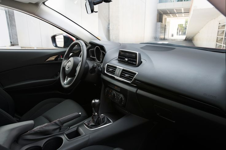 2014-Mazda3-interior-cockpit.jpg (2048×1360)