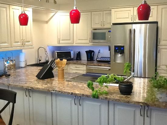 Winderemere Kitchen (TRA) - Cabinetsmith Canadian Made Kitchens and Bath manufactured in Barrie Ontario Canada