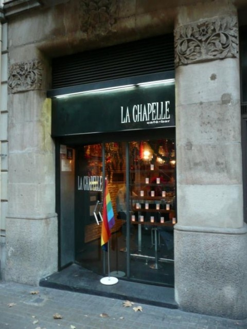 5 places in barcelona with the longest queue and how to