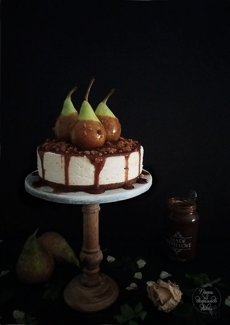 Pear, White chocolate and dulce de leche mousse cake
