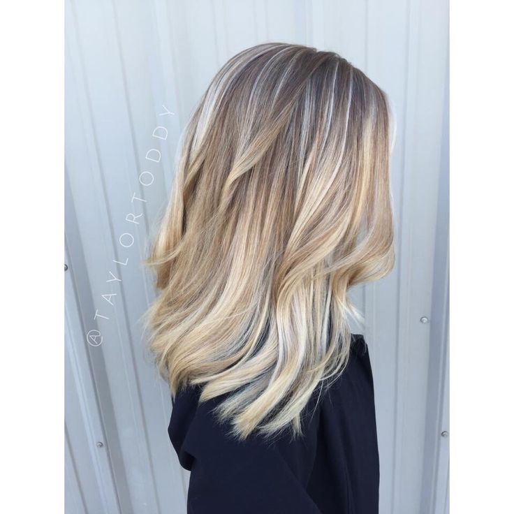 Balayage Baby Lights Blond Shorthair Medium Hair Platinum