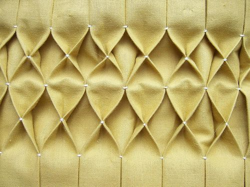 DIY Honeycomb Smocking: Craft, Honeycomb Pleating, Sewing Technique, Tutorial, Fabric Manipulation, Diy, Honeycombs
