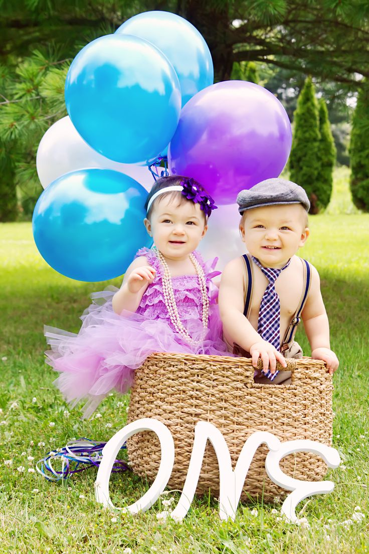 Twins first birthday twins baloons oneyear birthday
