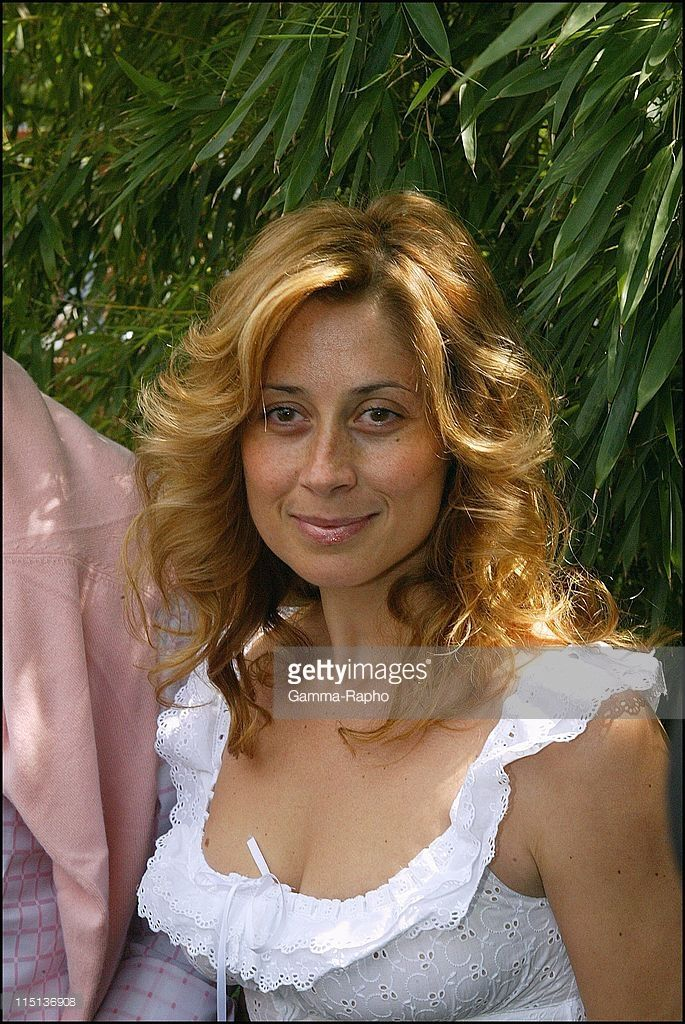 People at French tennis open at Roland Garros in Paris, France on June 05, 2003 - Lara Fabian.