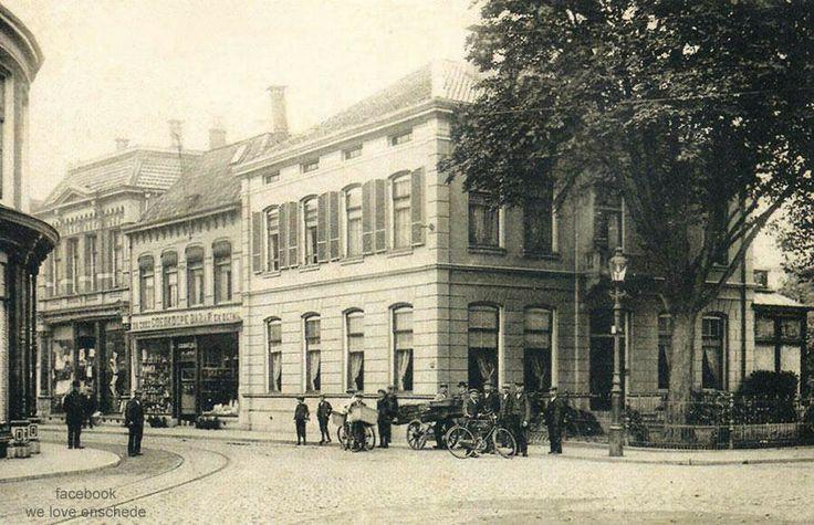 Nederland, Enschede, de Oude Markt, rond 1910. Incl tramrails