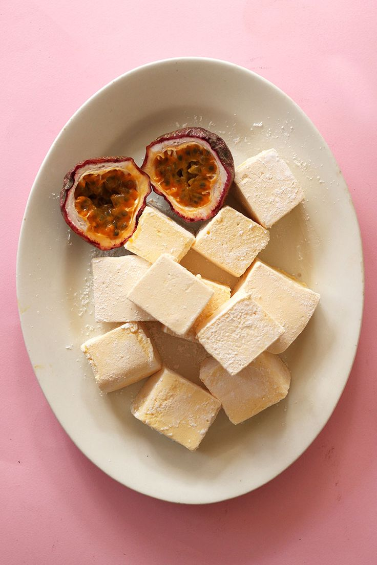 Passionfruit Vanilla Marshmallows // The Sugar Hit