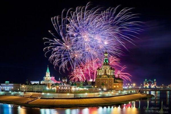 Parade Fireworks Yoshkar Ola City, Russia #giftshopbkwed #cityrussia #travel
