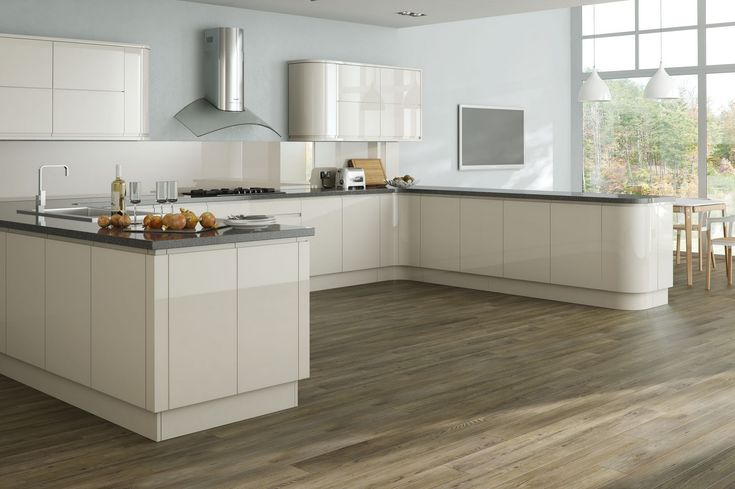 Krypton #kitchenoftheday is a Cream High Gloss Handle Less. This is a classic and chic kitchen. The introduction of curved doors brings with it a softer and bespoke aesthetic. Visit www.kryptonkitchens.co.uk for more information.
