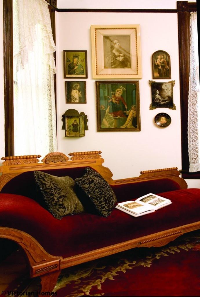 Eastlake Style Furniture Fainting Sofa