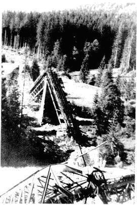 Viadukt pod Dielom zničený počas vojny