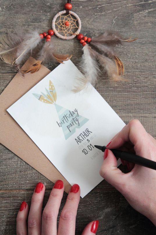 Une invitation d'anniversaire boho téléchargeable gratuitement