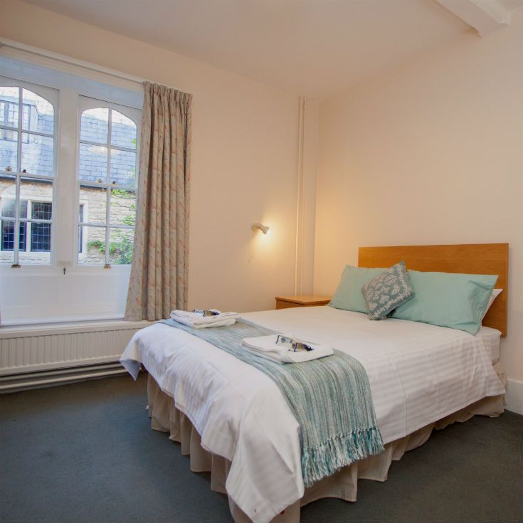 Double rooms in an historic setting – B&B at Univ Oxford. Booking details at www.univ.ox.ac.uk