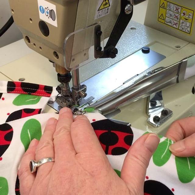Today we sew #breastfeeding shirts and nightdresses 😀#sewing #work #myllymuksut #ompelu #yamato #ompelimo #madeinfinland #madebyfinland #breastfeeding #imetysvaatteet