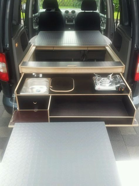 vw caddy camping bett optional tisch k che gegen. Black Bedroom Furniture Sets. Home Design Ideas