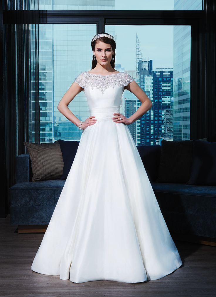 10 best Spring 2015 Wedding Gowns images on Pinterest   Wedding ...