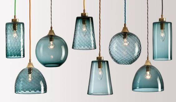 glazen lampen gekleurd