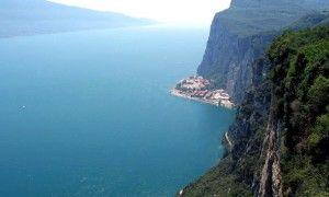 Il lago di Garda visto dalla Terraza del Brivido di Tremosine - ItinerariBrescia.