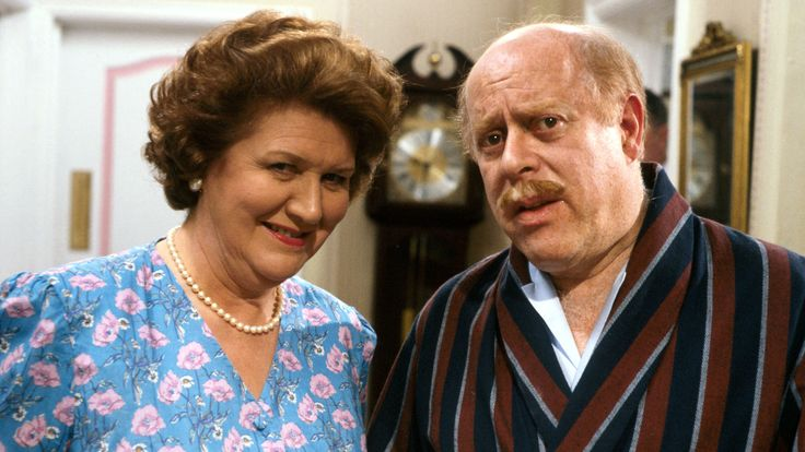 """Patricia Routledge & Clive Swift in """"Keeping Up Appearances"""""""