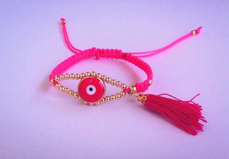 Φούξια μακραμέ βραχιόλι με φουντάκι - Macrame handmade bracelets