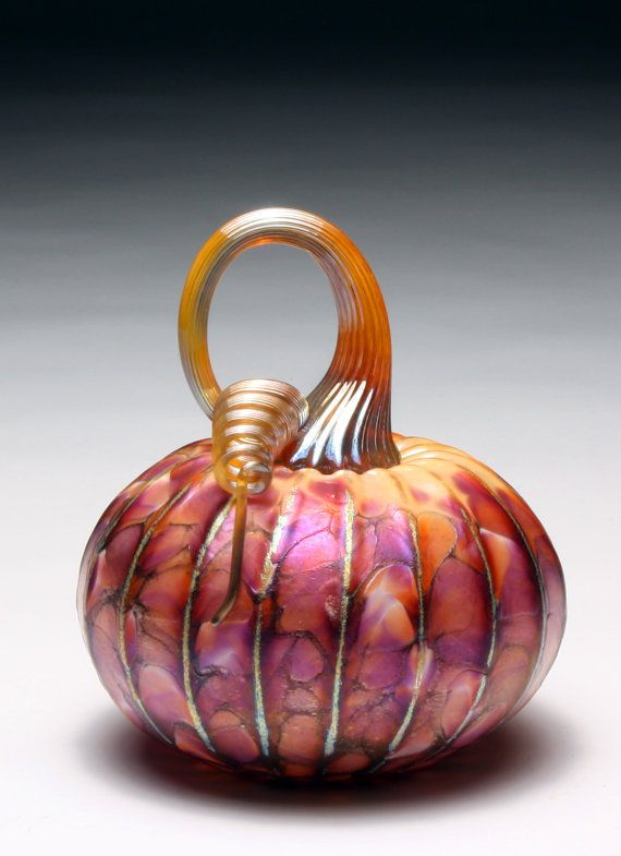 Beautiful Hand Blown Glass pumpkins by Jack Pine Studio.  I have a pumpkin like this, from Jack Pine Studio! ws