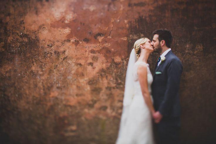 In deze tip reeks zal er een verzameling van essentiële trouwreportages tips, technieken en trucs voor de beginner besproken worden. Dit is deel 1 van 5 blog items welke de aankomende periode gepost zullen worden…