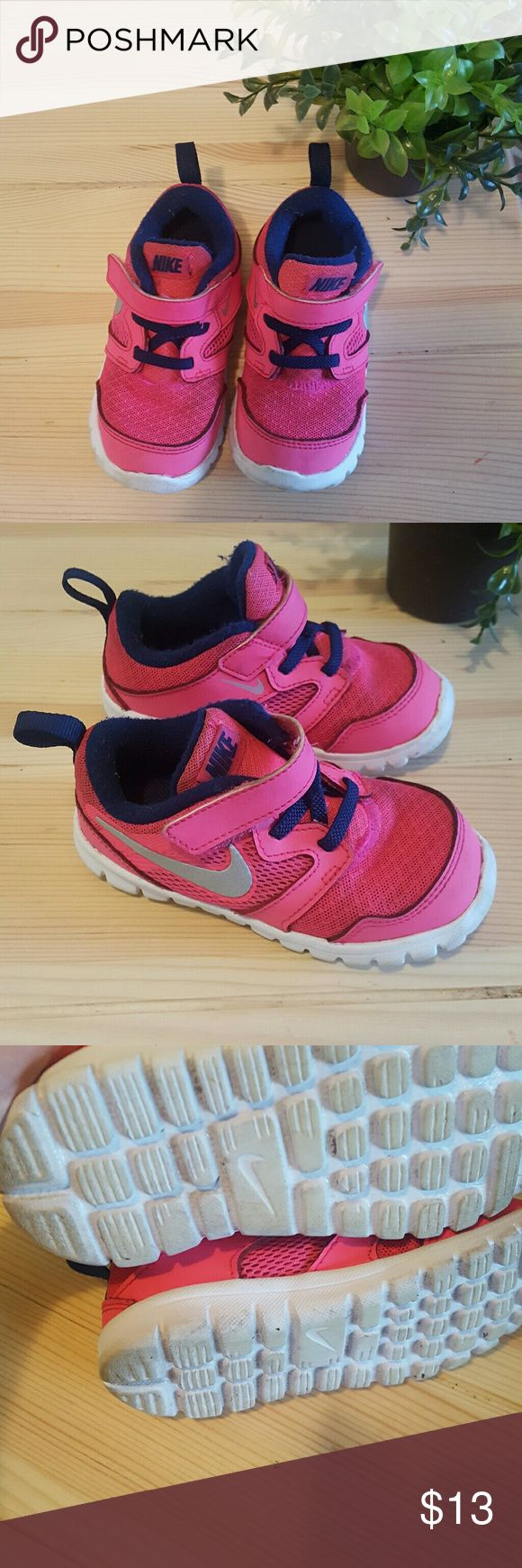 Pink Nikes💝 Used / Good condition. 8 Toddler Nike Shoes Sneakers