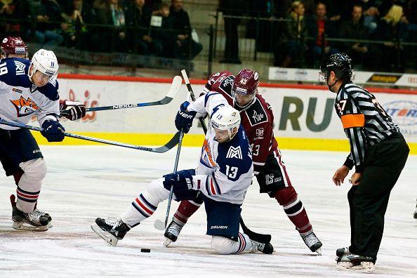 Dinamo Riga vs Avtomobilist Yekaterinburg Ice Hockey - Kontinental Hockey League