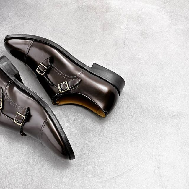 The 58143 is the hero of our 1958 Spring / Summer collection.  This double monk toe cap is crafted in Italy from metallic dyed leather.  #MadeInItaly #AquilaStyle #AquilaShoes #MensShoes #MonkStraps