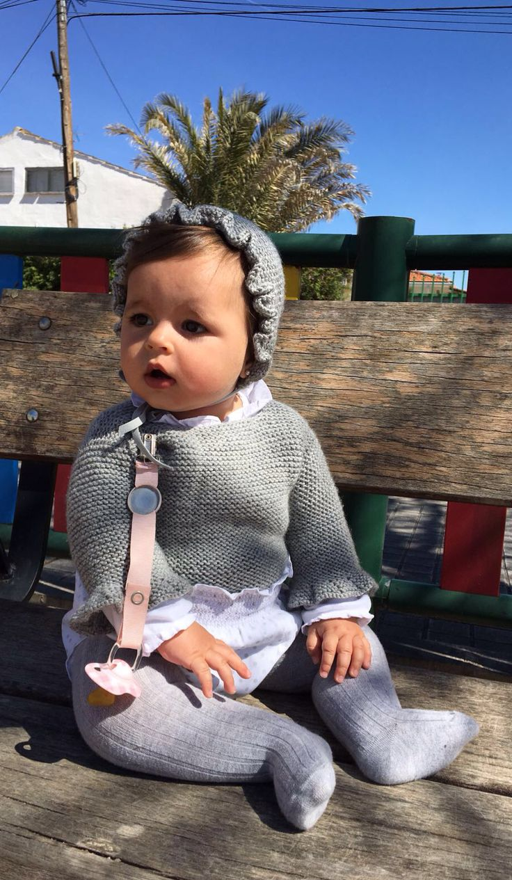 Hay and sweater designed and knitted by I Love Tricoté! ❤️ #babyknits #knitting #ilovetricote