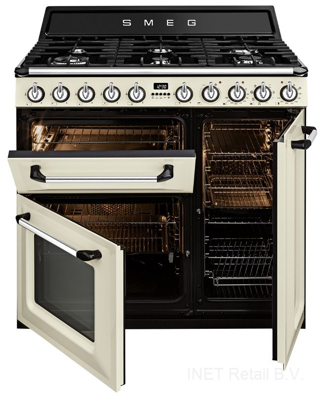 Modern Country Loves: Smeg Victoria Range Cooker