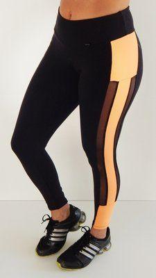 Legging fitness com recorte e detalhe em tela - Modelo Marvel