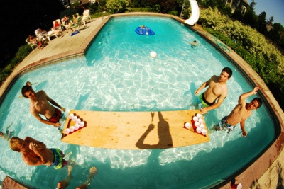 Going to make this happen for the annual end of summer pool party at my parent's house. Great idea