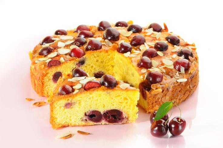 Placek czereśniowy. Kliknij w zdjęcie, aby poznać przepis. #ciasta #ciasto #desery #wypieki #cakes #cake #pastries #czeresnie #czereśniowe