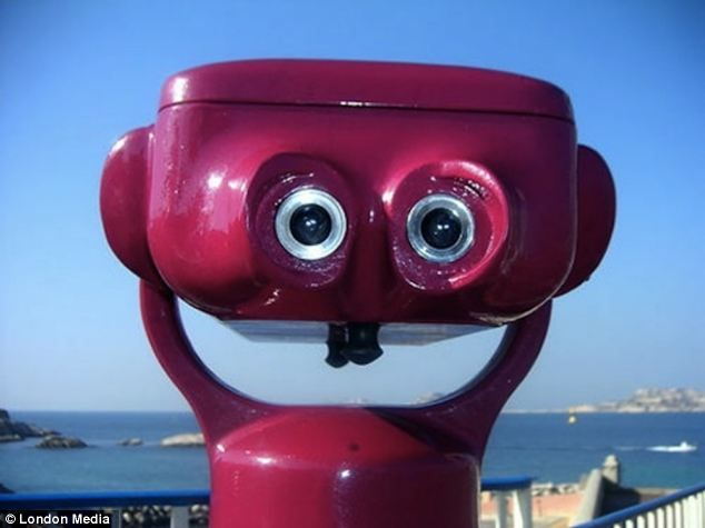 Nice to look at: This seaside telescope looks happy