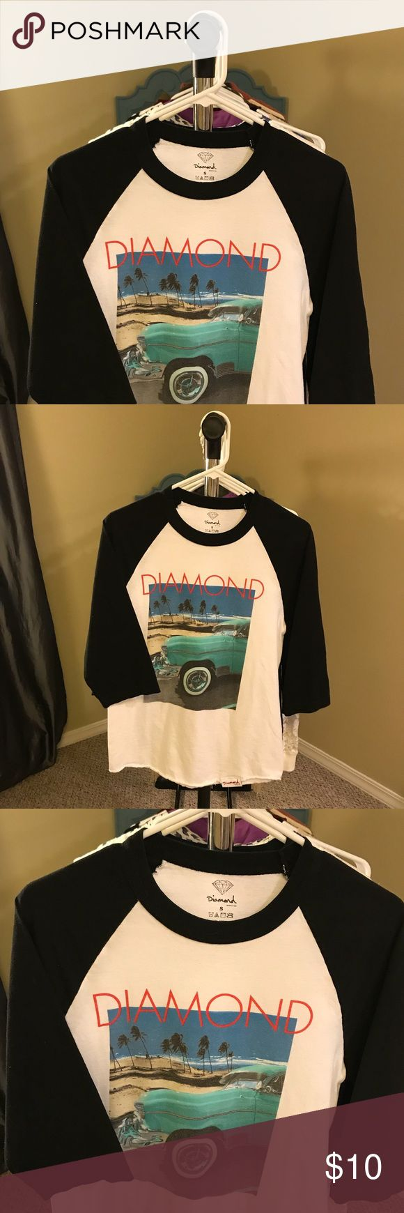 💎💎 Diamond Supply Co. Sale 💎💎 3/4 sleeve Diamond Supply Company shirt with blue truck and palm trees 🌴🌊🚙 size small baseball style sleeves! So cute! Excellent used condition!! Diamond Supply Co. Tops Tees - Long Sleeve