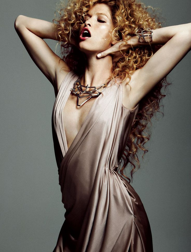 Heide Lindgren Wears Wild Curls for Elle Mexico, Shot by Santiago Ruiseñor -- Glam - Portrait - Black and White Photography